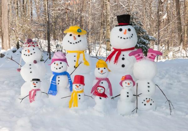 Инструкция как слепить снеговика и снежную бабу своими руками