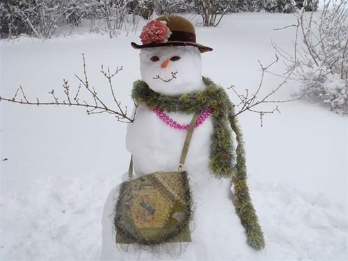 Как слепить снежную бабу