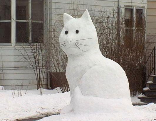 Кот из снега своими руками
