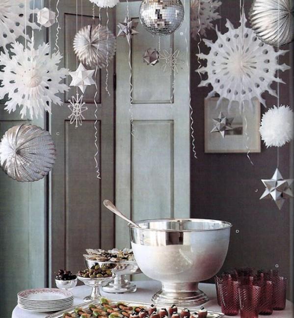 Дождь из снежинок для украшения потолка на Новый год