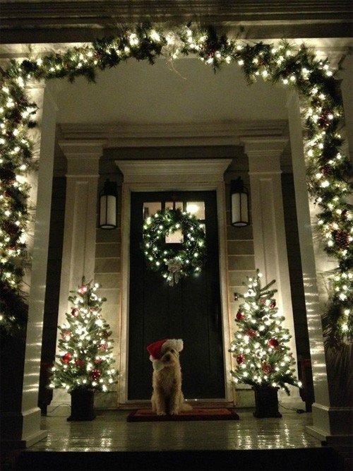 Гирлянды для новогоднего украшения двери