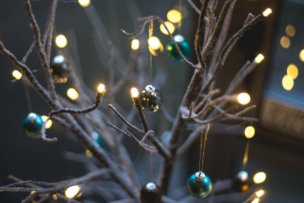 Как недорого украсить дом к Новому году