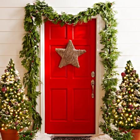 Как украсить дверь к Новому 2018 году