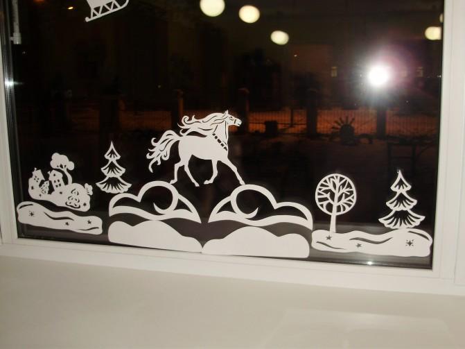 Как украсить окна вытынанками на Новый год