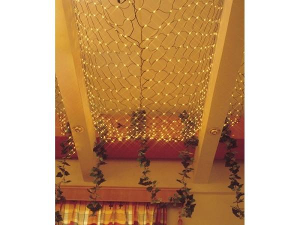 Как украсить потолок гирляндами на Новый год
