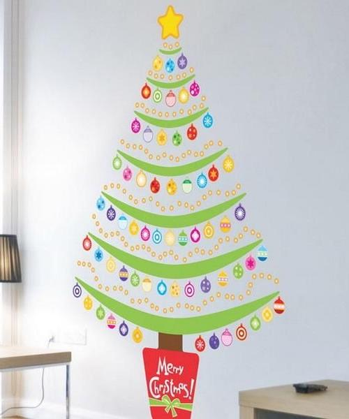 Как украсить стену на Новый год с помощью бумаги