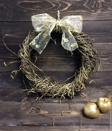 Новогодний венок из прутьев