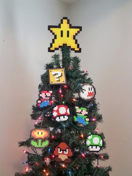 Оригинальное украшение новогодней елки