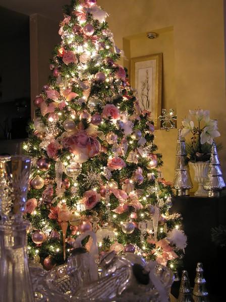 Цветы для украшения елки на Новый год