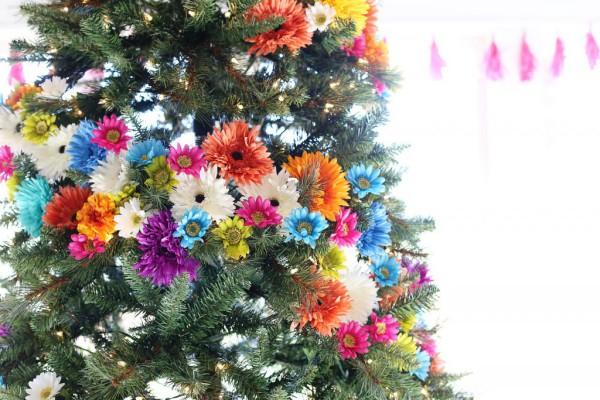 Цветы для украшения уличной елки