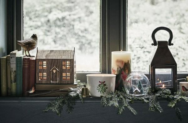 Оригинальные идеи новогоднего украшения подоконника