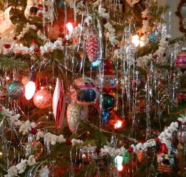 Украшение елки на Новый год в стиле винтаж