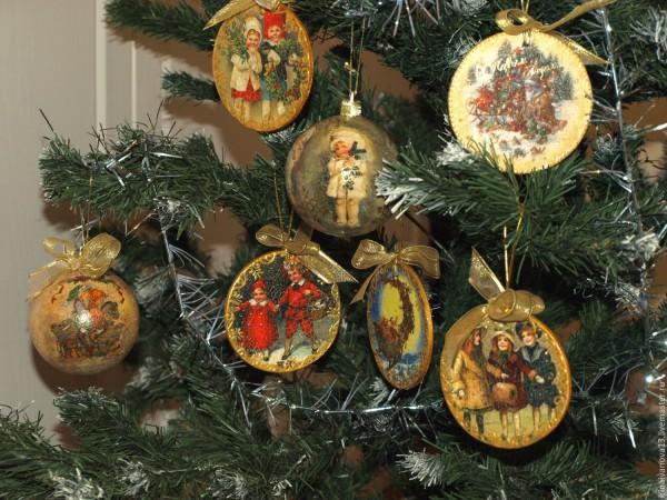 Винтажное украшения новогодней елки