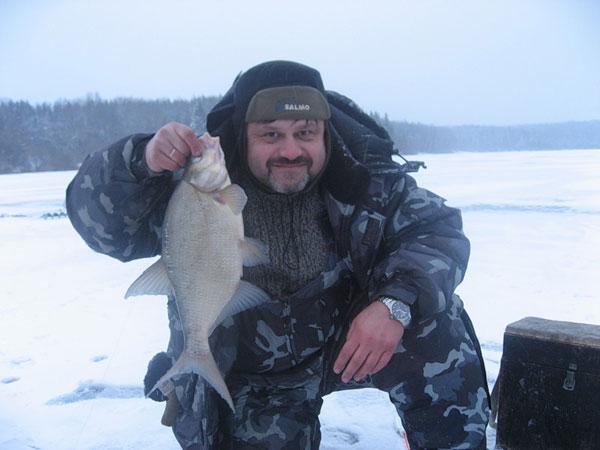 Рыбалка на леща зимой на течении